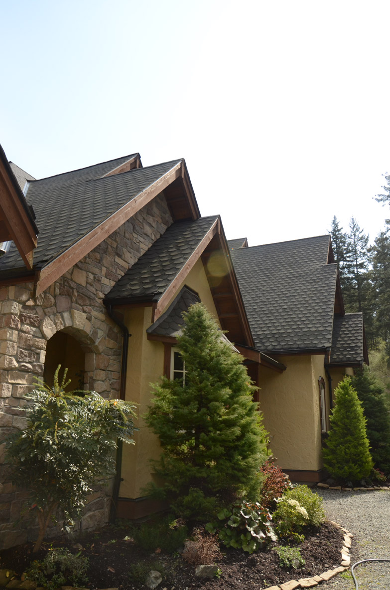 495 Viaduct Ave W Saanich Bc Custom Roofing